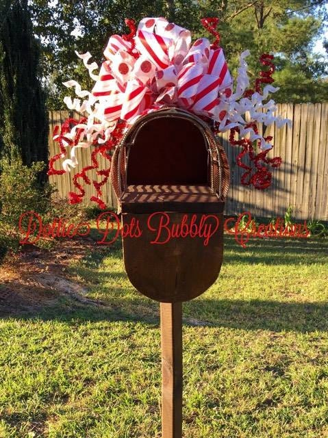 Ribbon and Twirls Mailbox Topper