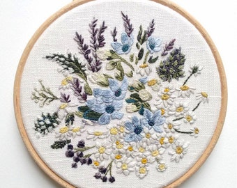 Daisies and Lavender Bouquet - Embroidery Hoop Art