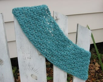 Autumn Crest Cowl - Crochet Pattern