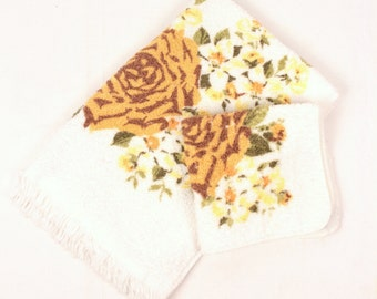 vintage wash cloth and hand towel // floral print