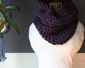 Crochet Cowl,Cowl Scarf,Knit Cowl,Loop Scarf,Chunky Knit,Crochet Scarf,Knit Scarf,Neck Scarf,Neck Warmer,Neck Wrap,Purple,Winter,Fall