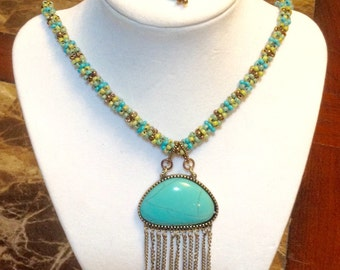 Turquoise necklace with pendant and matching earrings