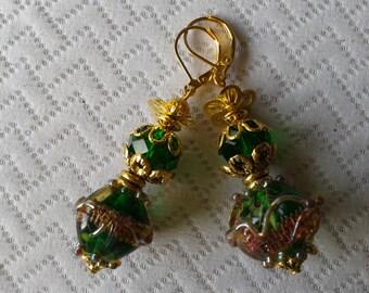 Ravissantes petites boucles d'oreilles en perles lampwork de créateur