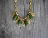 1940s bakelite necklace . vintage 30s 40s brass necklace