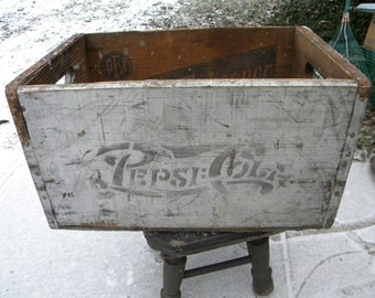 good shape vintage antique 1940s wood wooden silver and black double dot advertising PEPSI cola SODA CRATE box