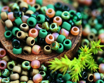 10g Toho Seed Beads Mix - Woodland Spirit - MayaHoney Special kumihimo Mix, 8/0 size, Dark Green, Topaz brown rocailles - S1028