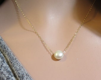 Minimalist Pearl necklace, One Pearl Necklace, Tiny Pearl Necklace, Gold Pearl Necklace, Floating Pearl Necklace, Delicate Gold Necklace,