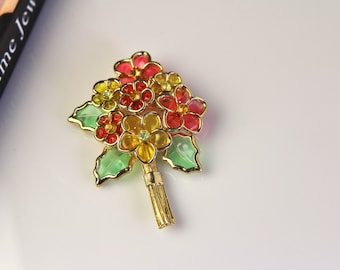 Vintage  CORO Lucite / Molded Glass   FLOWER  Brooch Pin # 542