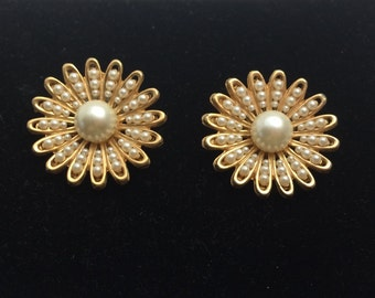Pearl Clip On Earrings, Gold Tone, Floral Design, Wedding Bridal Jewelry, Item No. B645