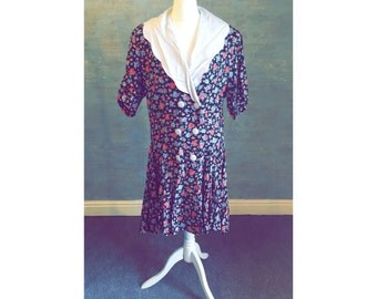 Gorgeous 1980s Style Vintage Dress with Sailor Collar and Floral Pattern