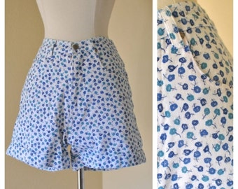 ON SALE Vintage High Waisted Denim Floral Shorts Pinup Rockabilly 50s Style White with Blue Floral Shorts Size Small