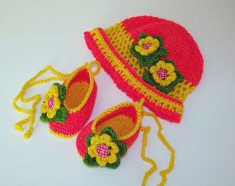 Crochet Hat & Booties set. with croched Flowers. Handmade for baby or Reborn