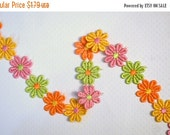 ON SALE Pink Orange Daisy Venice Lace Trim, Daisy Trim, Daisy Embellishment. 1/2 Yard.