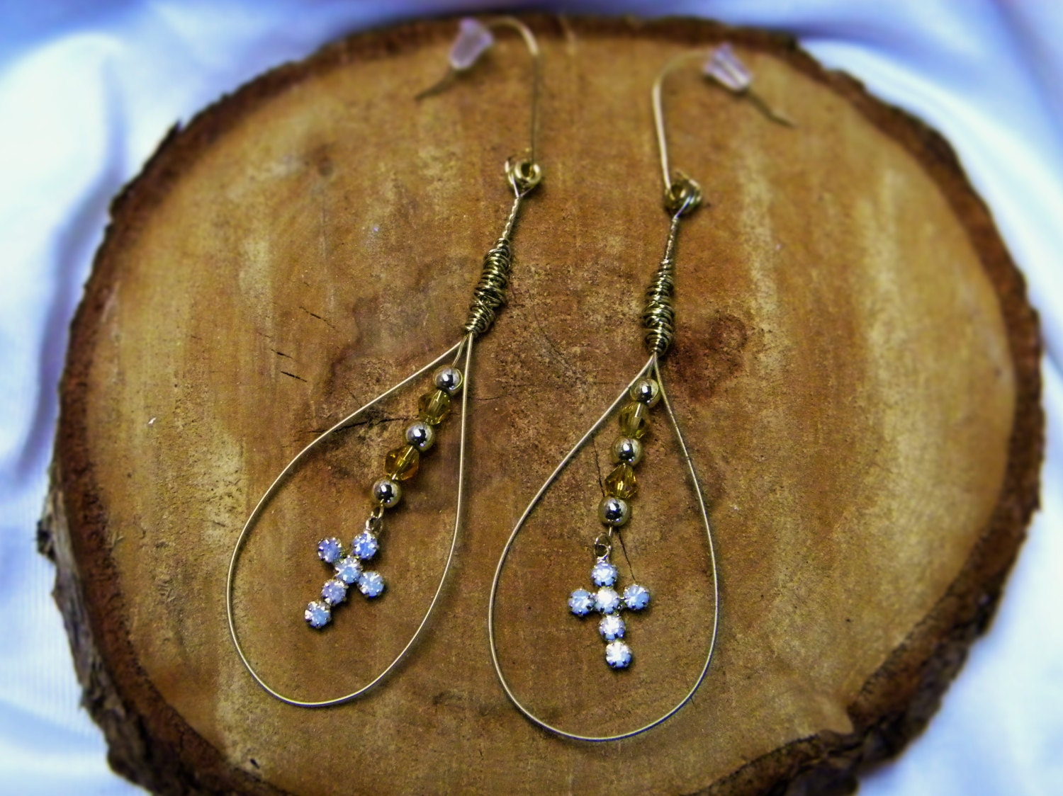 guitar string earrings with crystal cross dangles. Black Bedroom Furniture Sets. Home Design Ideas