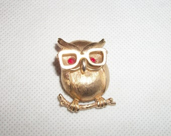 Sarah Coventry Professor Owl with Movable Glasses Pin