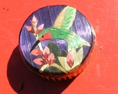 STRIKING CHINESE BAMBOO Ring Box  -  Brilliantly Colored Hummingbird on Lid
