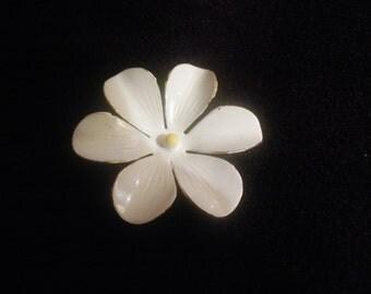Sandor Brooch Daisy Pin Spring Flower Floral Free Shipping