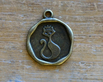 Kitty Princess Charm -  Vintage Style Pendant - Antique Bronze - Royal Cat Kitten Queen Charms Jewelry Supplies (M017)