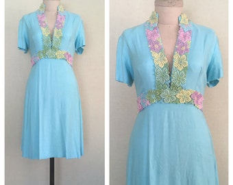 Guipure lace dress // 1950s wiggle dress // vintage 50s blue dress // s - m