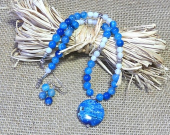 18 Inch Rustic Blue Fire Agate Pendant Necklace with Earrings