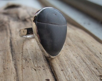 Beach Stone Ring, Size 7.5, Sterling Silver 925, Bezel Set, Hammer Textured Ring Band, Lake Ontario Beachcombed