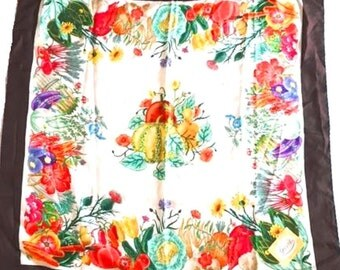 3 Days Clearance Sale - GUCCI Floral Design Vittorio Accornero Silk Scarf Made in Italy in competition Hermes, Celine, Louis Vuitton