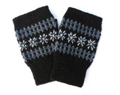 Merino wool fingerless gloves with stars,Snowflake patterned men's fingerless gloves,Black gray scandinavian hand warmers,Gifts idea for Him