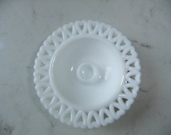 Vintage Swedish Mid Century white glass candleholder - Heart in a ring - Lindshammar - Gunnar Ander