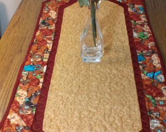 Handmade fall table runner. quilted autumn table topper. Halloween table decor