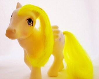 ON SALE Vintage Suprise Pose My Little Pony, 1984, White, Neon Yellow Mane, 5 Glittery Purple Balloon Symbols, Hasbro Inc. Hong Kong, Purple