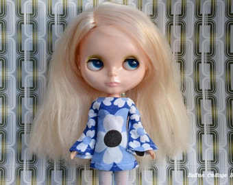 Bell sleeved vintage fabric blue muted flowers patterned retro mod style dress for Blythe Pullip Dal licca and similar dolls