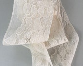 Antique lace trim, french lace / off white lace / wedding dress / vintage textiles