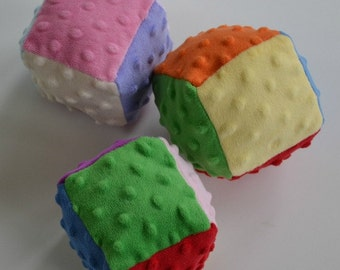 Set of 3 soft cubes, minky dot cubes, baby toy, soft stuffed cubes, Christmas gift, stocking stuffer, 3 fuzzy bright cubes, baby shower gift