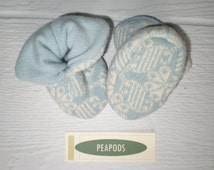 Cashmere and lambswool baby booties, PEAPOD baby slippers, double thick 3-9 months, light blue and cream pattern, infant socks, upcycled