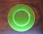 Vintage uranium Depression Glass plate plain rim 8 1/2 inch bread lunch plate