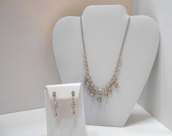 Vintage Gorgeous Crystal Demi Parure (4736) (BP) Necklace & Screwback Earrings