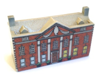 Whimsey-on-Why: Bloodshott Hall 1980-81. - Wade Whimsies - Wade - Wade Figurines - Wade Bloodshott Hall - Wade Village - Wade House