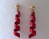 ON SALE vintage. EARRINGS. dangle. Red. gold. Spiral. 1980s.