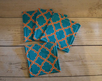 Set of 4 or 6 Handmade Fabric Coasters ~ Turquoise and Orange Quatrefoil ~ Kitchen Linens ~ Decorating Housewarming~Mug Rug Party