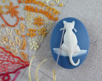 Needle Minder   Blue Cat Needleminders, Magnet Needleminder for Cross Stitch, Embroidery, Quilting, Sewing
