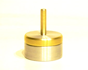 Metal Spinning Top With Base And Centering Plate