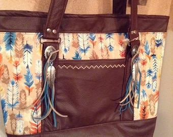 On Sale Western feather and textured vinyl tote/handbag/purse