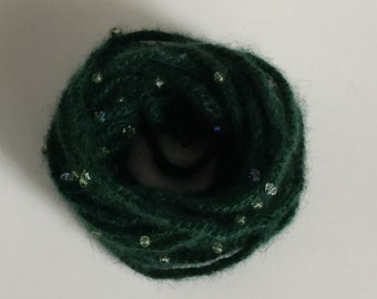Bracelet, crocheted with pure green QIVIUT and Peridot and Swarowski beads