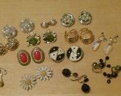 Free shipping! Assortment of vintage earrings destash