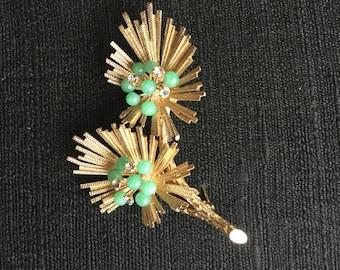 Pretty Vintage Jade & Rhinestone Floral Starburst Brooch