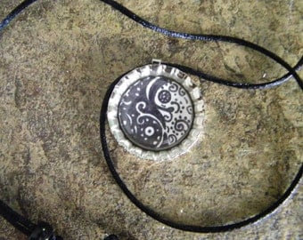 bottle cap necklace, zentangle necklace, yin and yang necklace