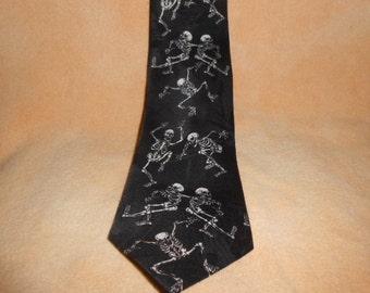Andaloro Men's Halloween Necktie