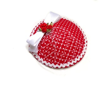 Head piece fascinator pin up red dots