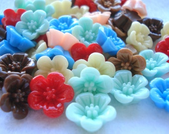 13mm Raised Flower Cabochon, Pack of 25 Mixed Colours Flower Flatback Embellishments, CAB12
