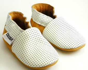 soft sole leather baby shoes infant handmade white yellow 0 6 bebe garcon fille cuir souple chaussons Krabbelschuhe porter ebooba OT-2-W-M-1